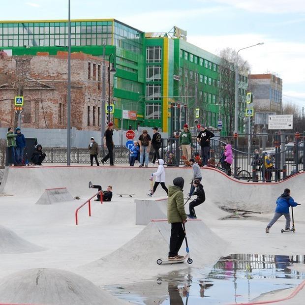 Скейтеры и BMX-ры — о новом парке у Дворца молодежи — Фоторепортаж на The Village