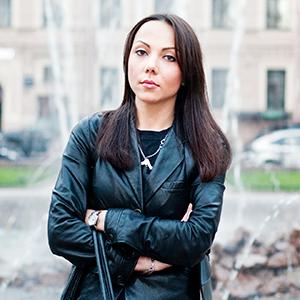 Внешний вид: Карина Курганова, хозяйка Retro Shop — Внешний вид на The Village