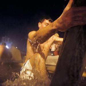 В прорубь: Репортаж с крещенских купаний — Люди в городе на The Village