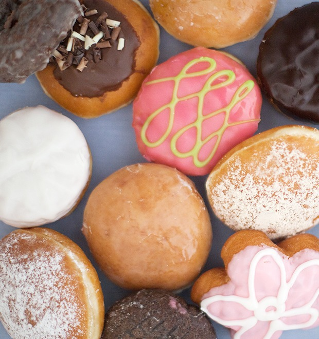 Эксперимент The Village: Krispy Kreme против Dunkin' Donuts — Еда на The Village