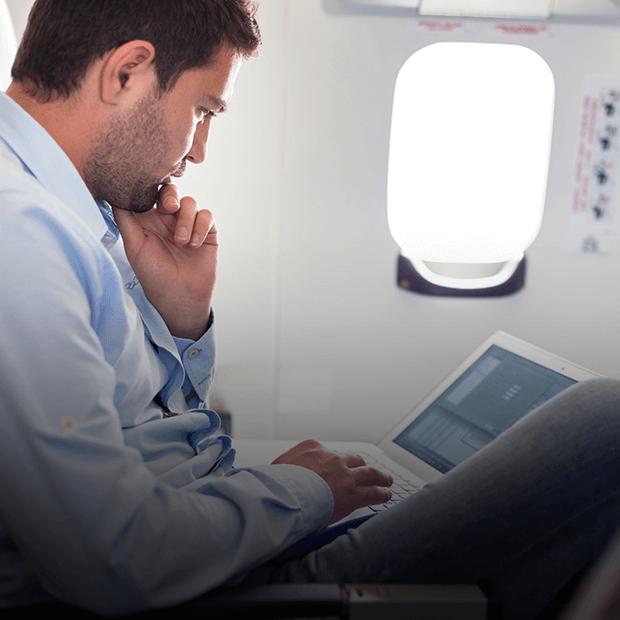 11 сценариев, как не заскучать в полёте — Практика путешествий на The Village