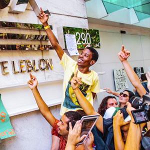 Странные танцы: Александра Петрачкова о новой форме протеста в Бразилии — Иностранный опыт на The Village