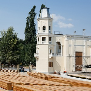 Как выглядит обновлённый Зелёный театр ВДНХ — Фоторепортаж на The Village