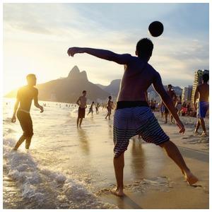 Чемпионат мира по футболу, семилетие «Солянки», детское «Архстояние» и ещё 15 идей на праздники — Выходные в городе на The Village