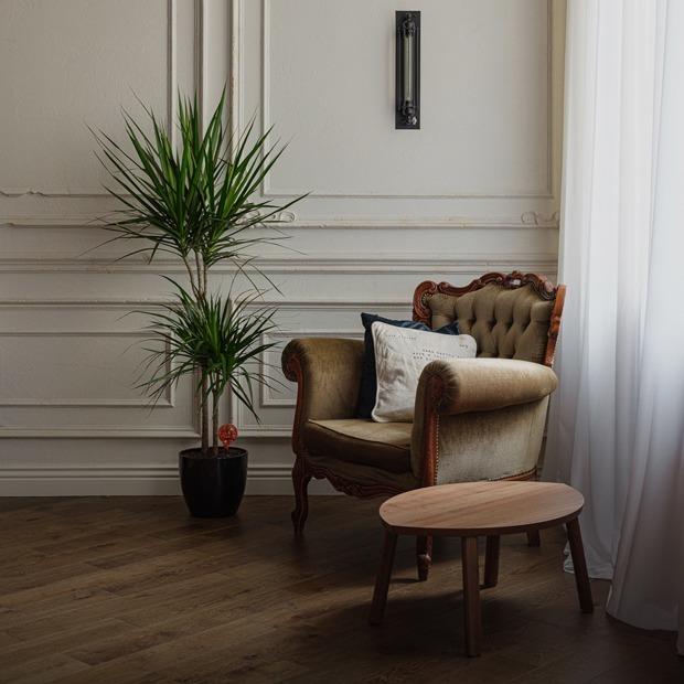 Лофт со спальней на втором уровне в историческом доме в центре Петербурга