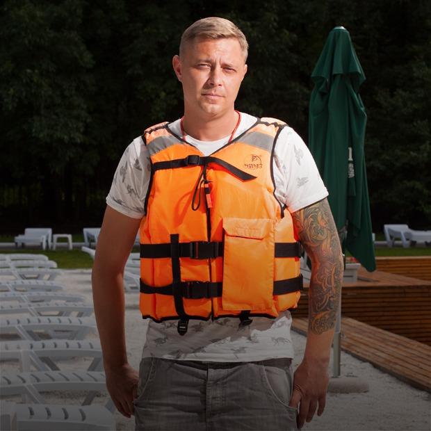 «Сложный путь, но престижный»: Спасатели на водах — о своём призвании — Люди в городе на The Village