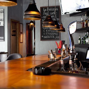 Новое место: Винный бар La Bottega — Рестораны на The Village