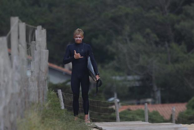 Здесь моря нет: Как школьник с Урала стал популярным серфером