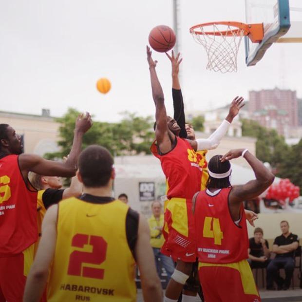 День акул, «Вивальди-фестиваль»  и турнир по уличному баскетболу — Выходные в городе на The Village