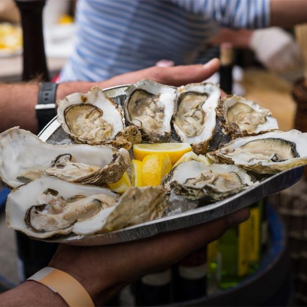 Рыбный базар, «Зомби-моб», «Пост-фест» и ещё 11 событий выходных — Выходные в городе на The Village