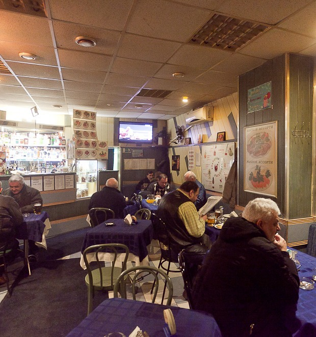Все свои: Безымянный бар на Сенной площади — Рестораны на The Village