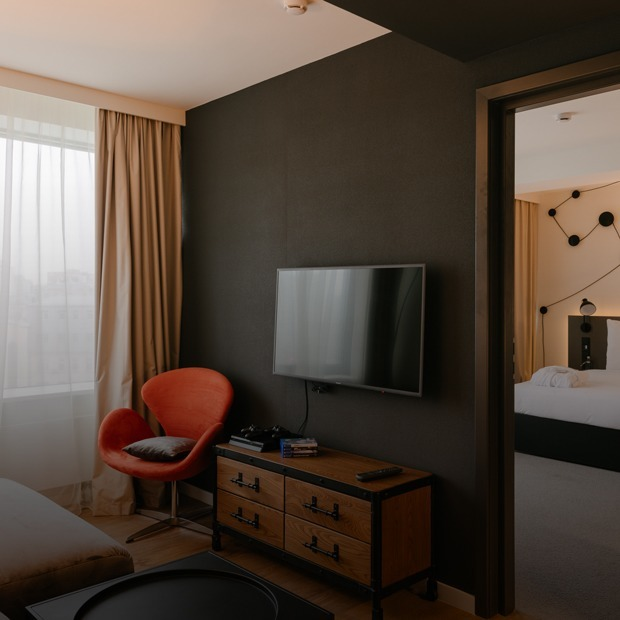 Pentahotel: Как устроен сетевой отель в доме-книжке на Новом Арбате — Интерьер недели на The Village