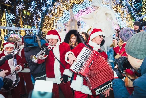 Первые выходные фестиваля «Путешествие в Рождество» — Галереи на The Village