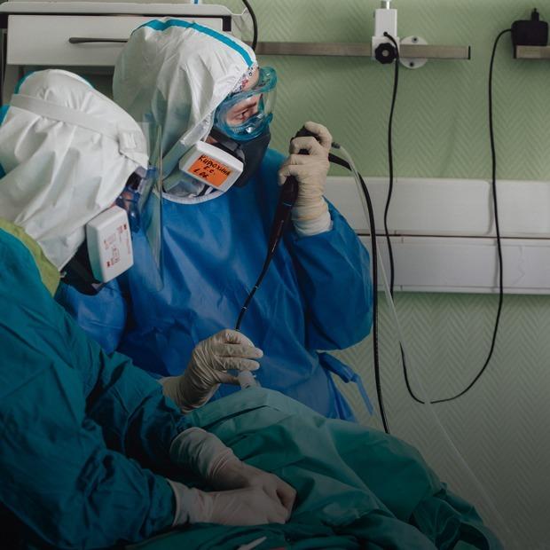 Что происходит в красной зоне больницы после отмены карантина — Репортаж на The Village