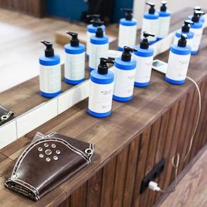 Можно покороче: 5 необычных парикмахерских в Петербурге