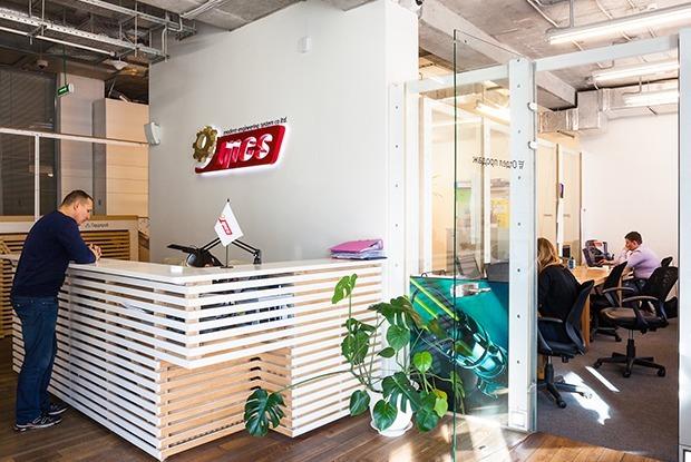 Как выглядит офис MES во Владивостоке — Офис недели на The Village