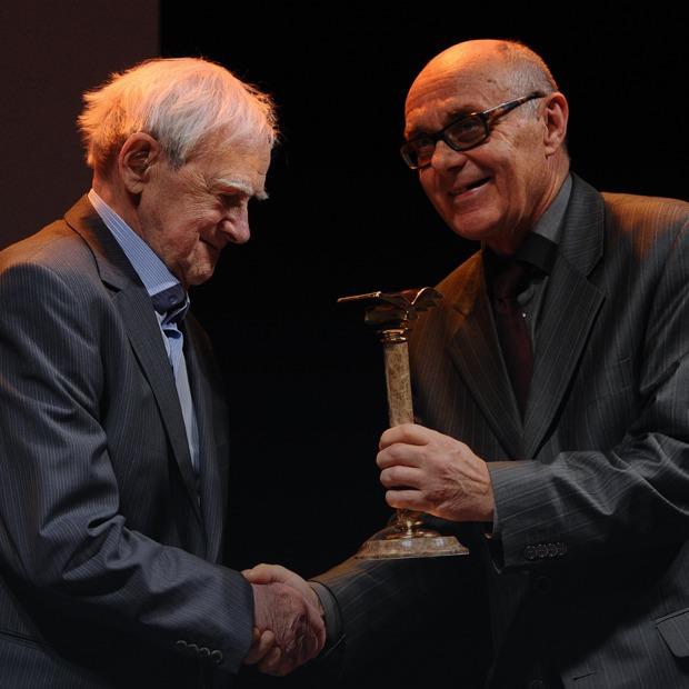От «Нацбеста» до «Русского Букера»: Кому и за что дают российские книжные премии — Гид The Village на The Village