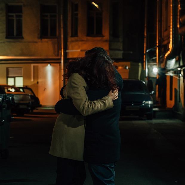 Больше любви: Как живут полиаморы в России — Истории на The Village