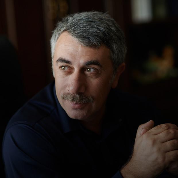 Педиатр Евгений Комаровский — о родительских страхах и заблуждениях — Что нового на The Village