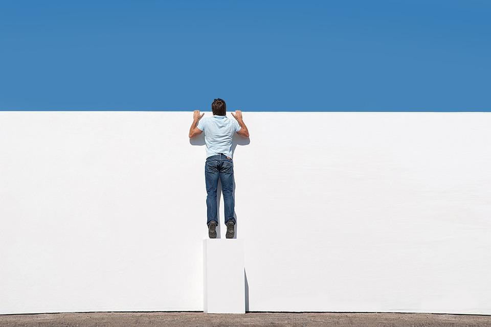 Остаёмся рисковать: 15 цитат об экономической изоляции — Облако знаний на The Village