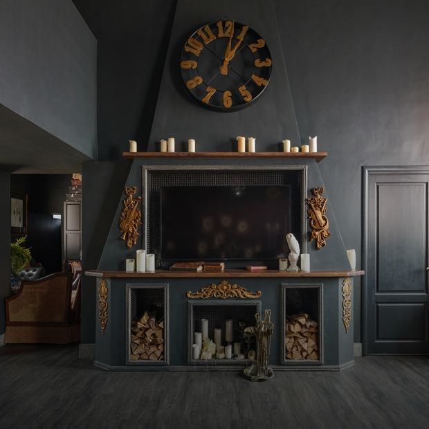 Двухуровневая квартира с элементами «цыганщины» и антикварной мебелью — Квартира недели на The Village