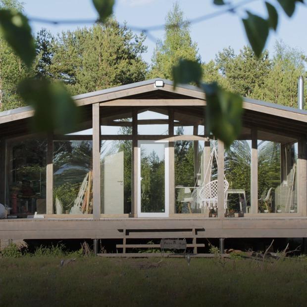 Скандинавский дом, который семейная пара построила своими руками за пять месяцев  — Дача недели на The Village
