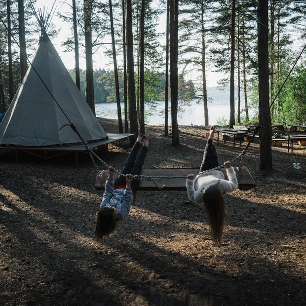 «Не оставлять следов»: Жизнь экокемпинга на берегу Ладоги — Истории на The Village
