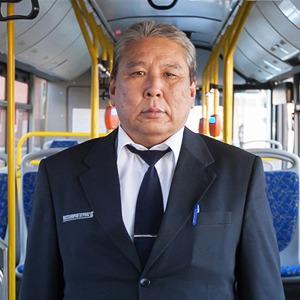 Люди в форме: Водители автобусов — о работе в деловых костюмах — Город на The Village