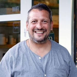 Шеф-повар и ресторатор Айзек Корреа о жизни после Москвы — Интервью на The Village