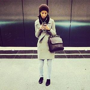 Люди, фотографирующие себя на Instagram на станции «Жулебино» — Галереи на The Village