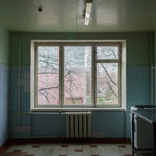 «Клопы довольно больно кусаются»: Студенты МГУ — о жизни в старом общежитии — Истории на The Village