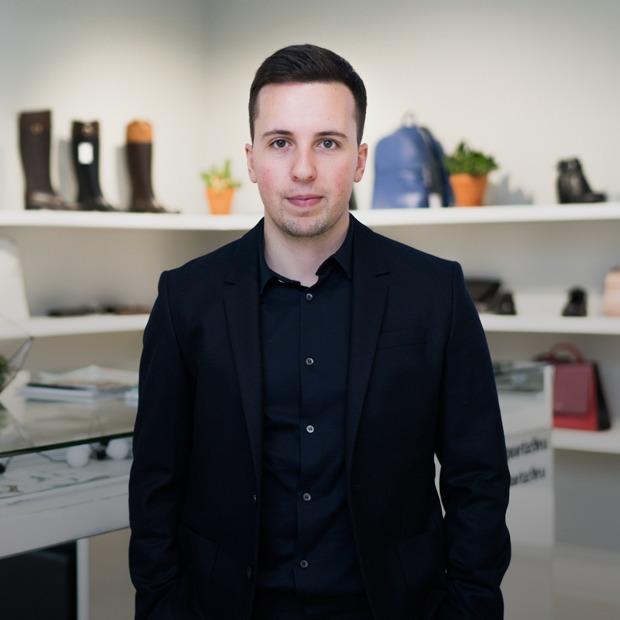 Как потомственный обувщик открыл магазин Porta 9  — Предприниматели на The Village
