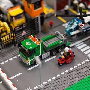 Фото дня: Как выглядит музей Lego в Петербурге — Город на The Village