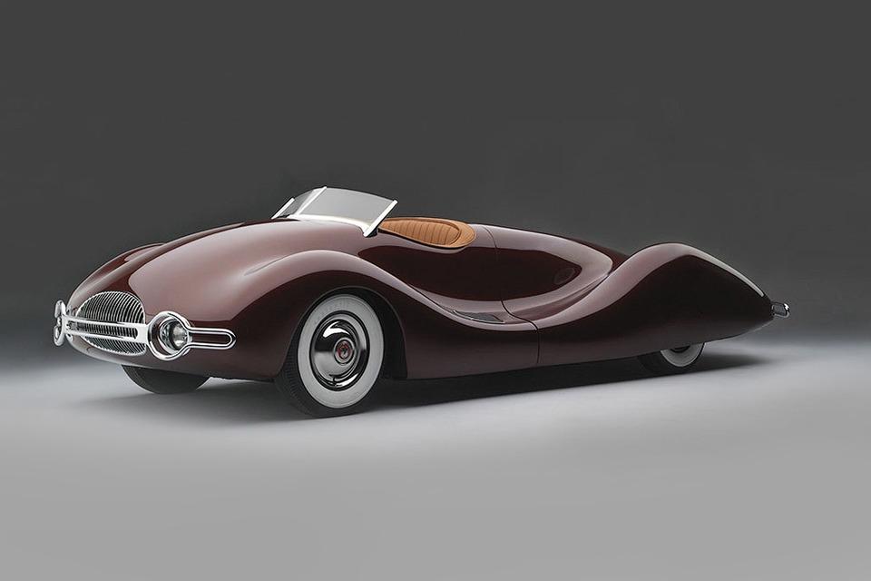 Фото дня: Футуристические автомобили на выставке Dream Сars — Будущее на The Village