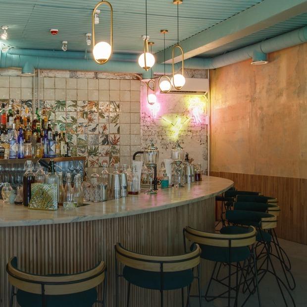 Бар с говорящим названием: Less Sugar Bar на Малой Бронной — Место на The Village