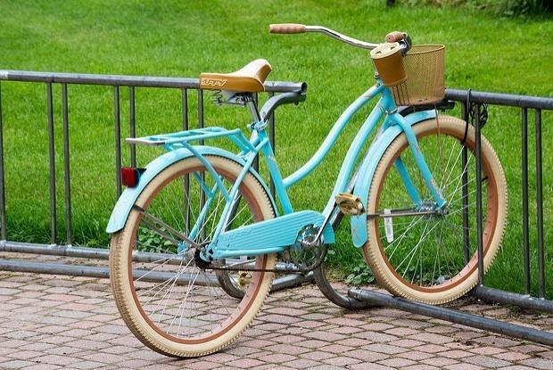 Женский велопарад, кино под звездами и гитарный баттл — Выходные в городе на The Village
