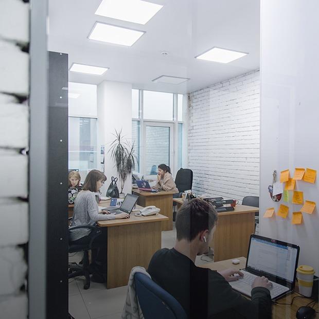 Как выглядит офис  рекламного агентства Eddison во Владивостоке — Офис недели на The Village