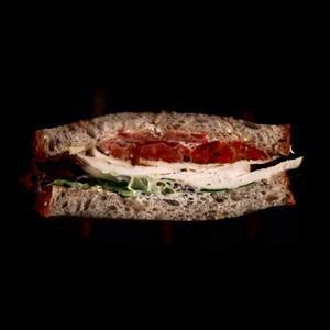 Составные части: Сэндвич с курицей и печёным перцем из Cafe Brocard — Составные части на The Village