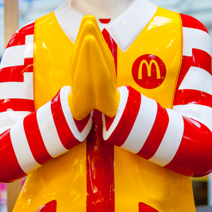 Какие претензии у российских чиновников к «Макдоналдсу» — Ситуация на The Village