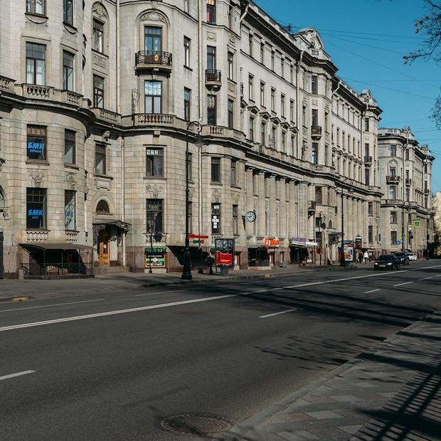 «Я живу в Доме трех Бенуа» (Петербург) — Где ты живёшь на The Village