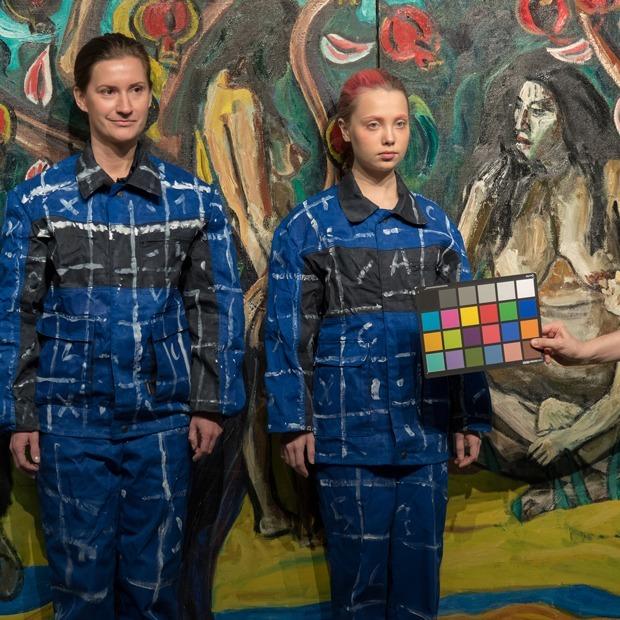 Как создают «невидимые портреты»: Лю Болин в «Эрарте» — Фоторепортаж на The Village