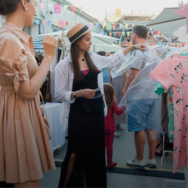 SimpleWine Fest, выставка художника Aljoscha и «Ламбада-маркет» — Выходные в Петербурге на The Village