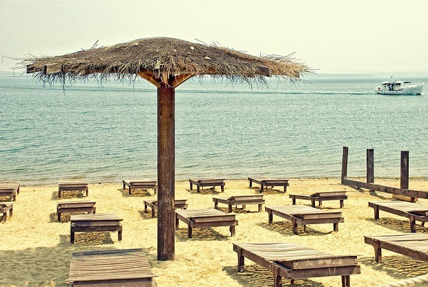 Песок и катамараны: Где купаться и загорать в Иркутске — Гид The Village на The Village