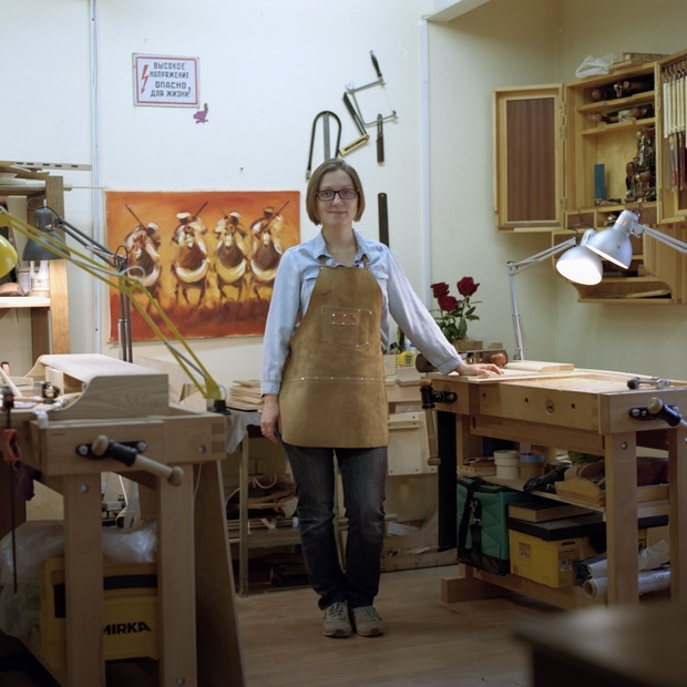 Как в мастерской «Хронотоп» реставрируют советскую мебель — Истории на The Village