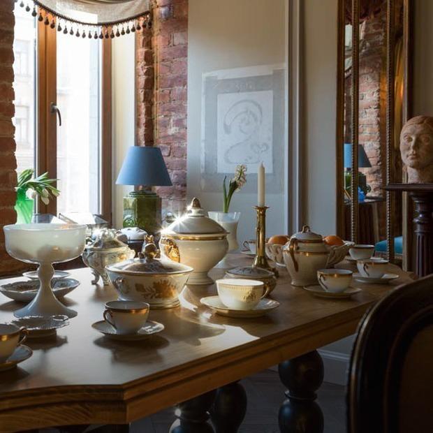 Квартира с антикварной мебелью и альфрейными росписями начала ХХ века — Квартира недели на The Village