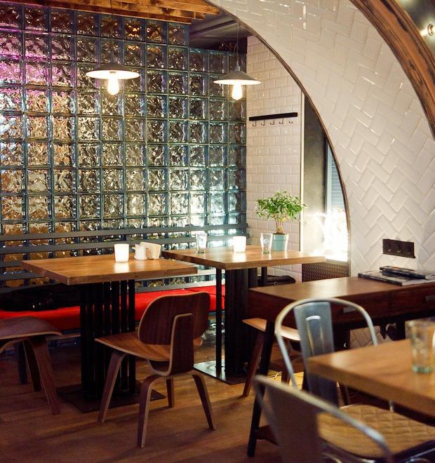 Новое место (Петербург): Ресторан-бар «Путанеска» — Новое место на The Village