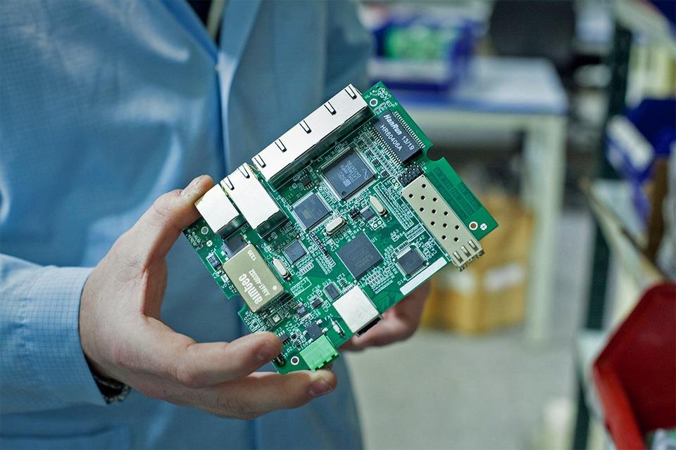 Производственный процесс: Как делают платы для электроники — Как это работает на The Village