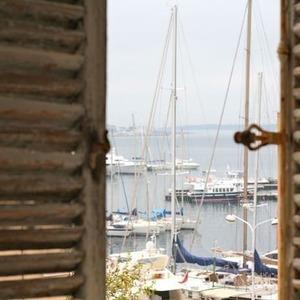 Приоткроем окошко в мир Южной Франции