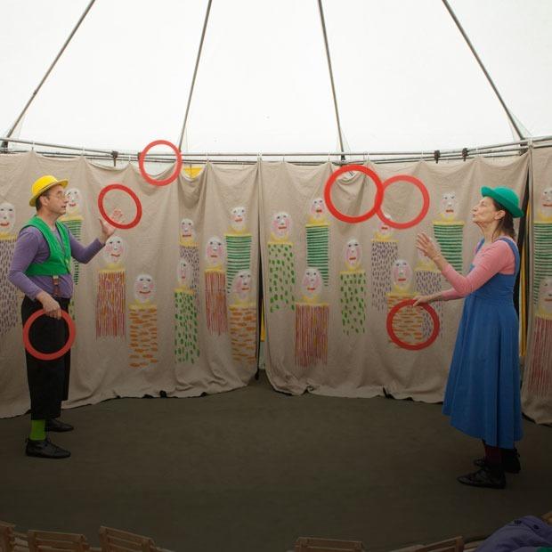 Как устроен самый маленький в мире странствующий цирк — Фоторепортаж на The Village