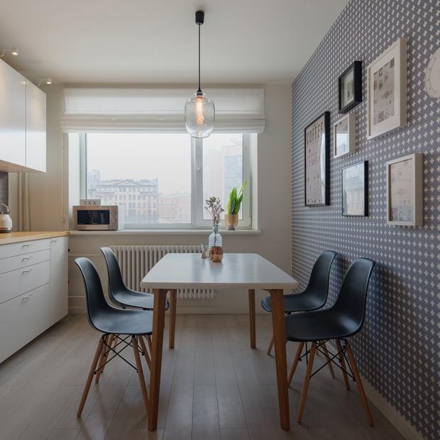 Светлая двухкомнатная квартира с мебелью в стиле mid-century — Квартира недели на The Village